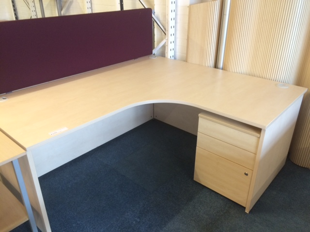 Maple Radial Desk Silvermans Office Furniture Cambridge