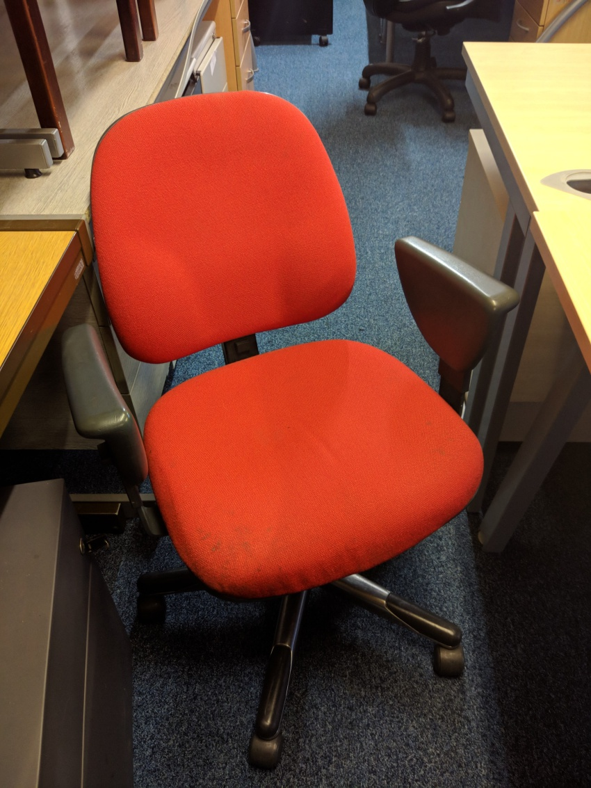 Miraculous Used Red Chair Silvermans Office Furniture Cambridge Home Interior And Landscaping Analalmasignezvosmurscom